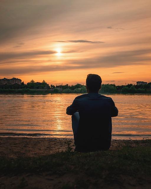 Man Guy River Clouds Sun Sunset  - Norexy_art / Pixabay